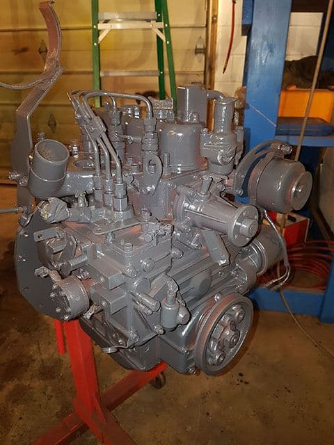 Painted Kubota D950 Diesel Engine